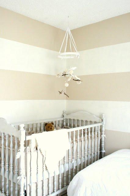 bejin tonları ve beyaz duvar